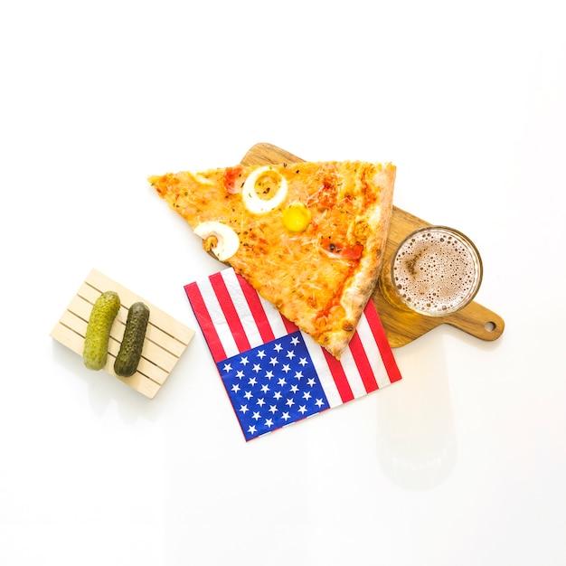 Concept de restauration rapide américaine avec pizza Photo gratuit