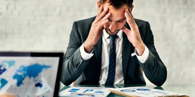 Concept de stratégie de réunion de stress homme d'affaires leader Photo gratuit
