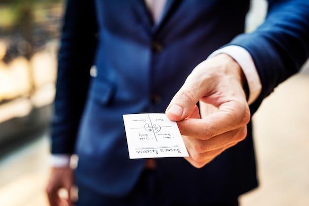 Concept de travail de la stratégie de planification de la pensée de l'homme d'affaires Photo gratuit