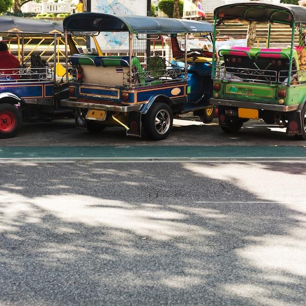 Concept de véhicule tuk-tuk thaïlande Photo gratuit