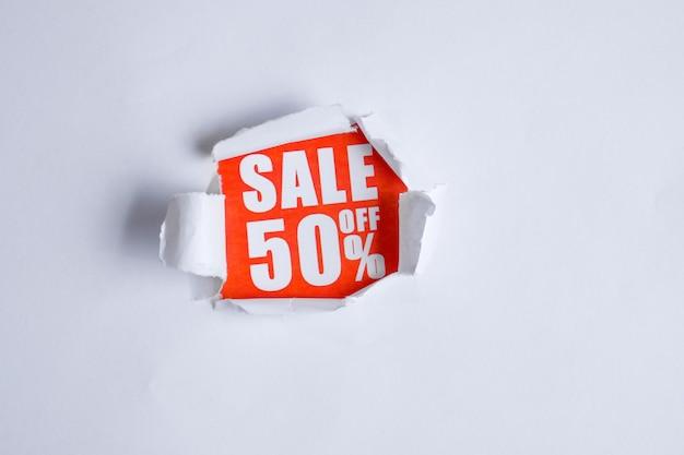 Le concept de vente sous forme de rabais 50. Photo Premium