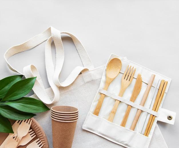 Concept zéro déchet, vaisselle recyclée Photo Premium