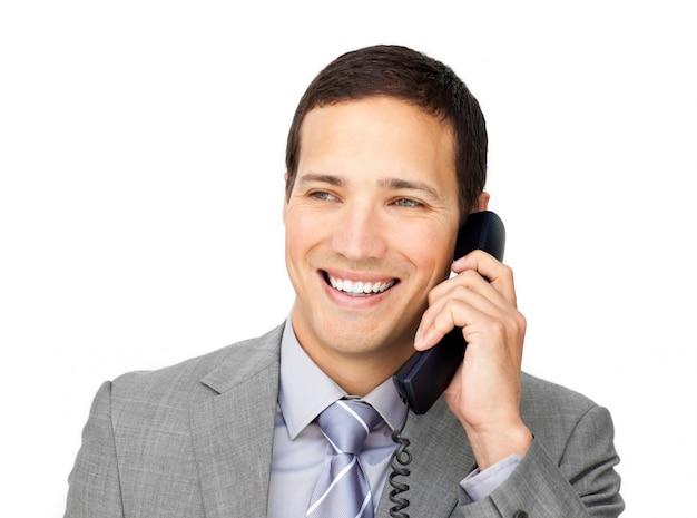 Confiant jeune homme d'affaires, parler au téléphone Photo Premium