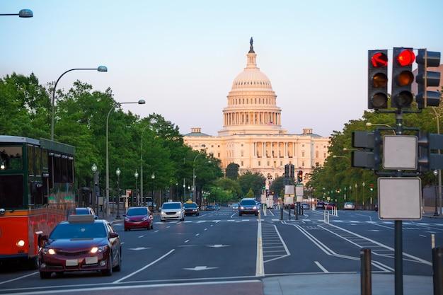 Congrès au coucher du soleil au capitole washington dc Photo Premium