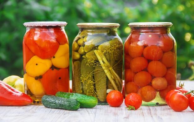 La conservation des légumes. les blancs. nature de la mise au point sélective Photo Premium