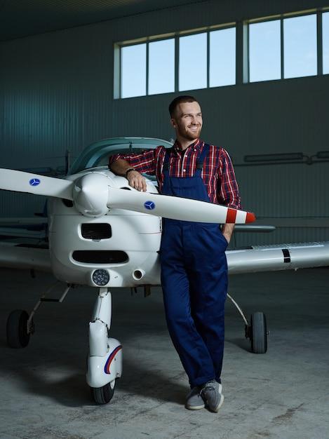 Constructeur de jetliner Photo gratuit