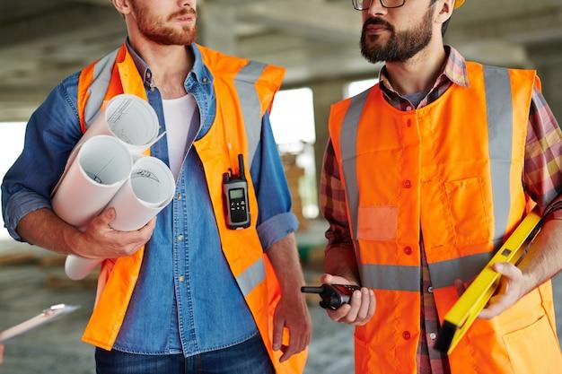 Constructeurs modernes Photo gratuit