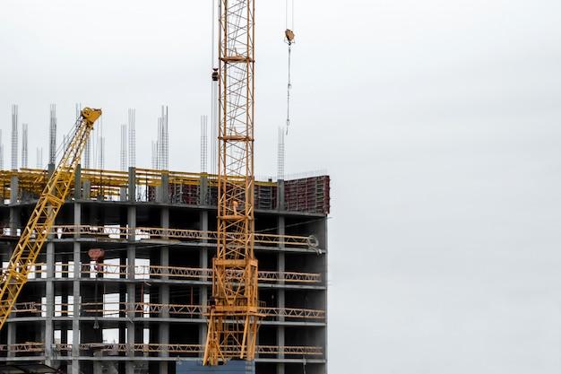 Construction de bâtiments sur la technologie monolithique. Photo Premium