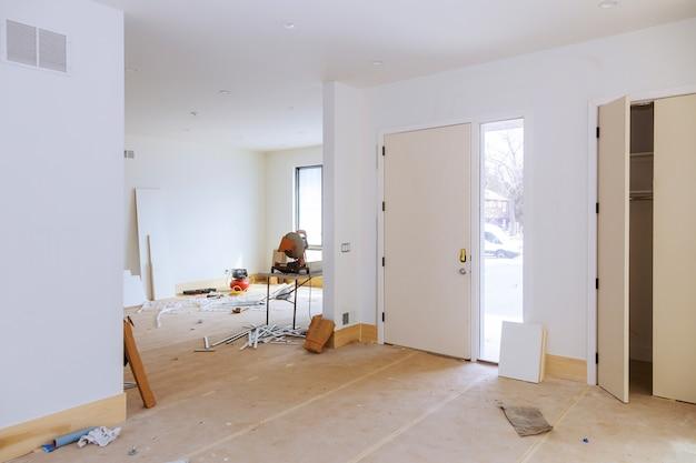 Construction, construction, construction neuve, intérieur, construction, cloison sèche, finition Photo Premium