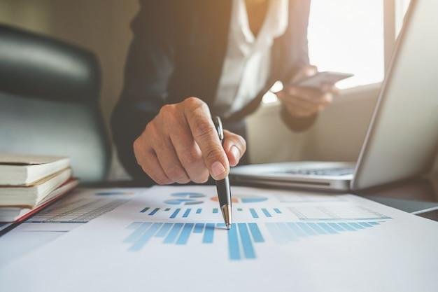 Consultant Financier Expert Comptable Discussion Professionnelle Photo gratuit