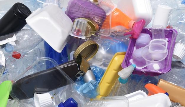 Un conteneur conteneur de recyclage Photo Premium