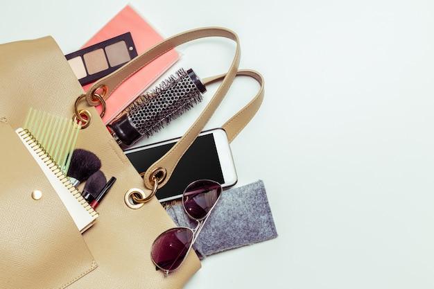 Contenu du sac de femme Photo Premium