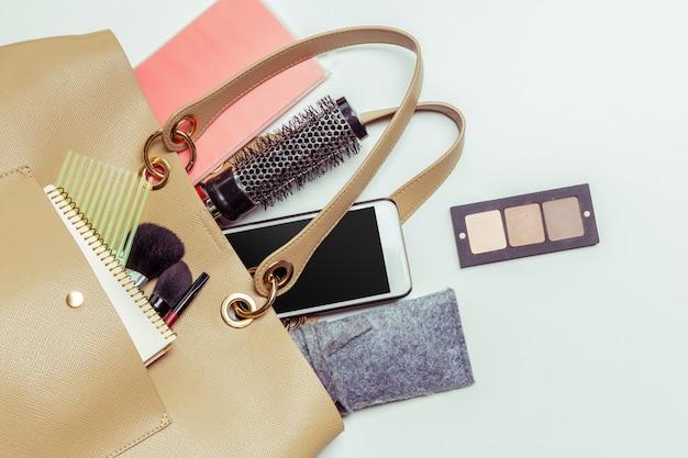 Contenu du sac femme Photo Premium