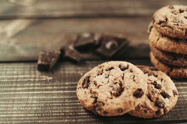 Cookies aux pépites de chocolat frais Photo Premium