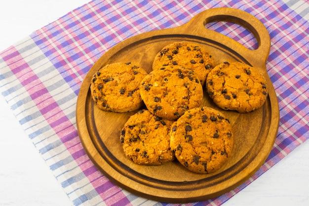 Cookies aux pépites de chocolat Photo Premium