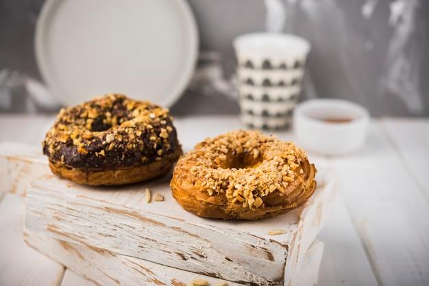 Cookies Gros Plan Sur Planche De Bois Photo gratuit
