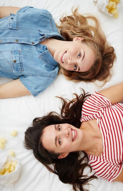 Copines Heureuses Photo gratuit