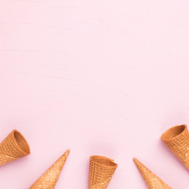 Cornets de glace vides Photo gratuit