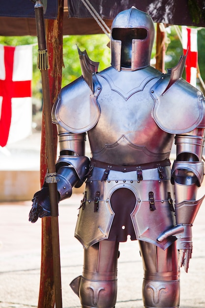 Costume d'armure médiévale Photo Premium