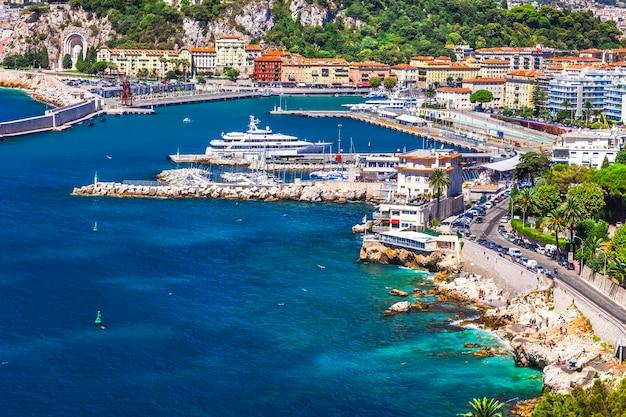 Côte De Nice, Sud De La France. Célèbre Côte D'azur Photo Premium