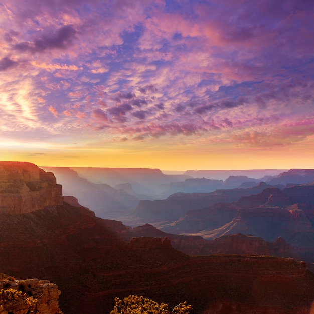 Coucher de soleil en arizona parc national du grand canyon yavapai point Photo Premium