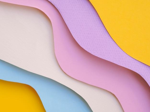 Couches colorées d'ondes de papier abstraites Photo gratuit