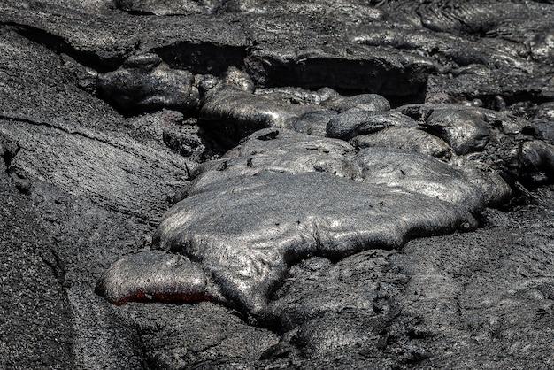 Coulée De Lave Dans Le Champ De Lave Hawaii Volcanoes National Park Photo Premium