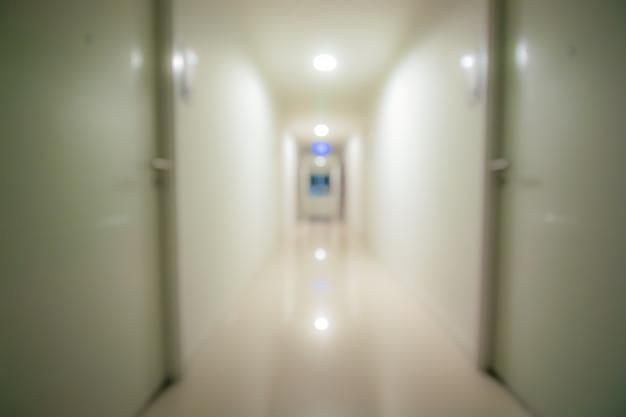Couloir flou, allée dans un condominium Photo Premium