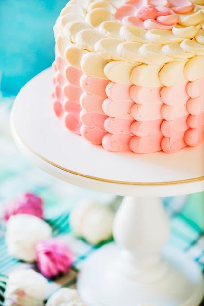 Coup de macro d'un délicieux gâteau sur le plat de cuisson Photo gratuit