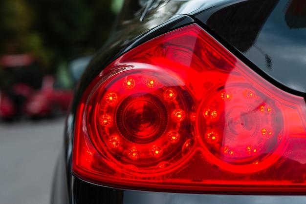 Coup moyen de feux arrière de voiture Photo gratuit