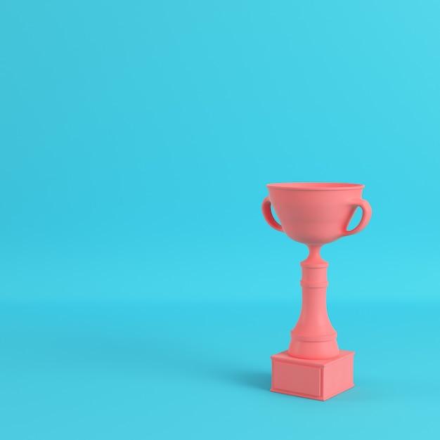 Coupe Du Trophée Sur Fond Bleu Clair Photo Premium