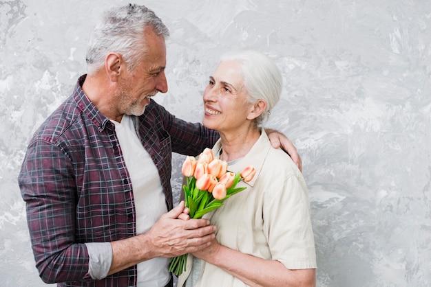 Couple Aîné, Poser, Photo Photo gratuit