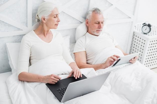 aînés datant site gratuit trop jolie pour les rencontres en ligne