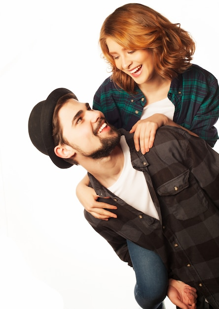 Couple d'amoureux heureux Photo Premium