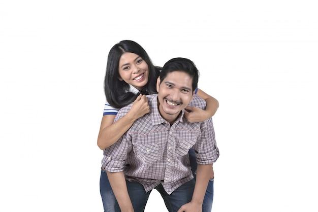 Couple asiatique romantique amoureux s'amuser ensemble Photo Premium