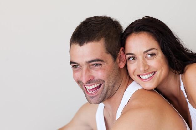 Couple charmant se détendre dans les autres Photo Premium