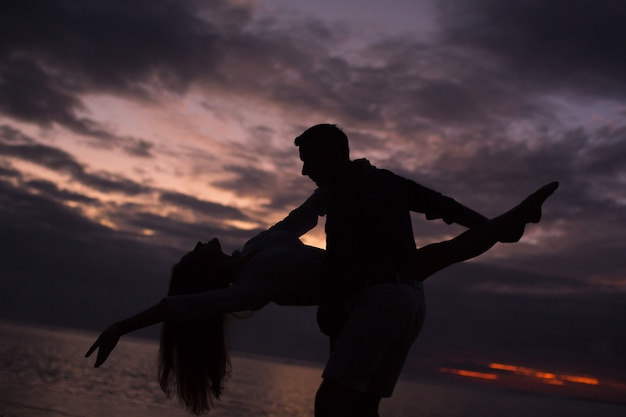 Couple, Danse, Coucher Soleil Photo Premium