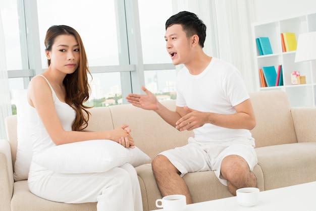 Couple En Dispute Photo Premium