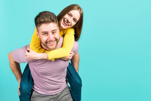 Couple heureux Photo gratuit