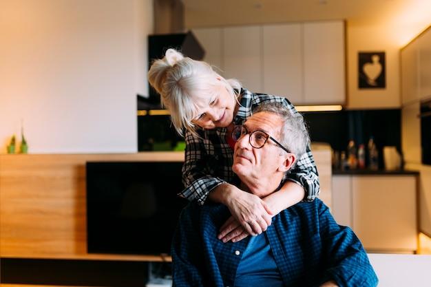 Couple Majeur Dans Une Maison De Retraite Photo gratuit