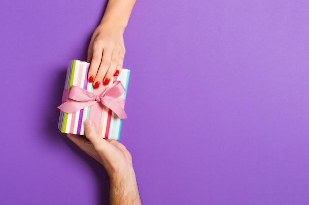 Couple, Tenue, Valentine, Cadeau Photo Premium