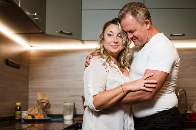 Couples Aînés, Amoureux, Coup Moyen Photo gratuit