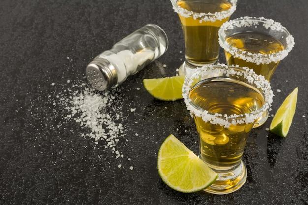 Coups de tequila or Photo Premium
