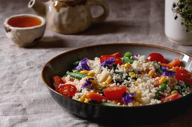 Couscous aux légumes Photo Premium