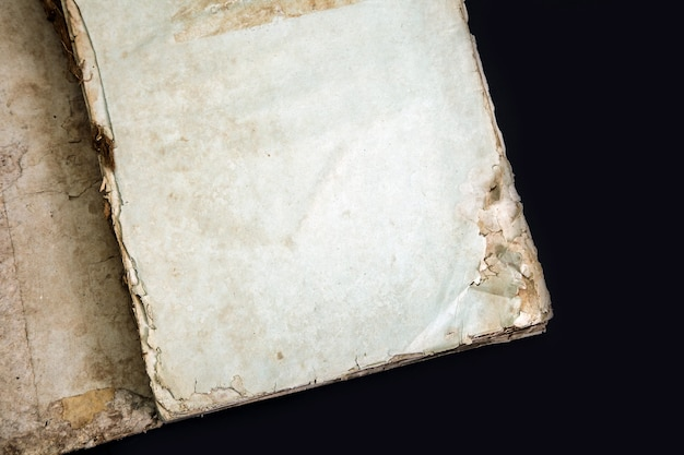 Couverture De Livre Ancien Texture Vintage Isolé, Ancien Manuscrit Historique Religieux Décrépit Papier Reliure Lettre Yiddish Moule Rareté Photo Premium