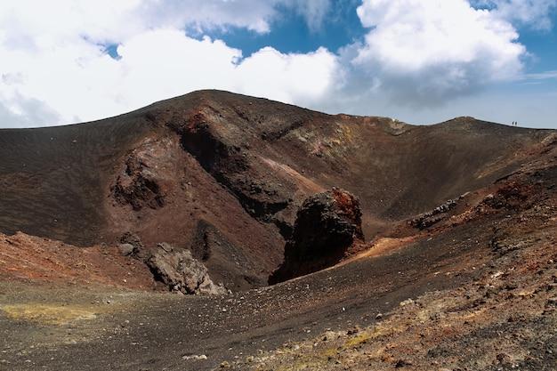 Cratère volcanique éteint Photo gratuit