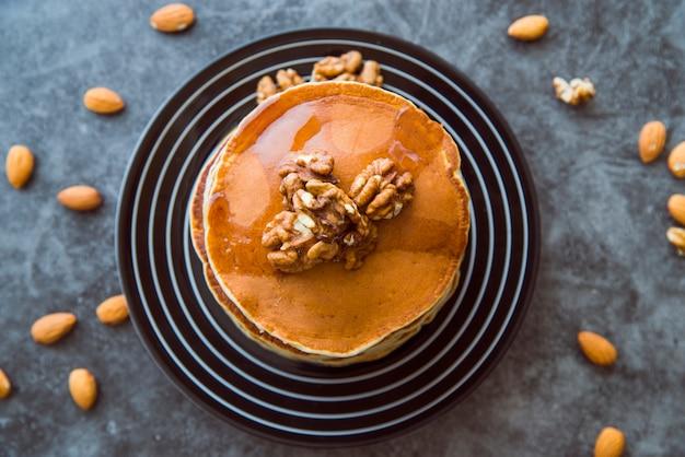 Crêpes avec noix Photo gratuit