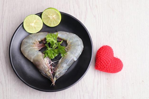 Crevettes fraîches pour la cuisson Photo Premium
