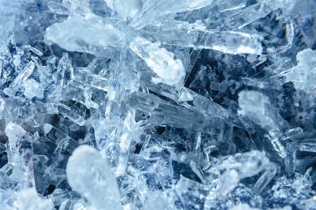 Les cristaux se bouchent. texture cristalline. eau gelée Photo Premium