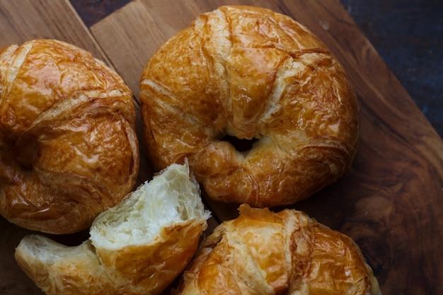 Croissants maison Photo Premium